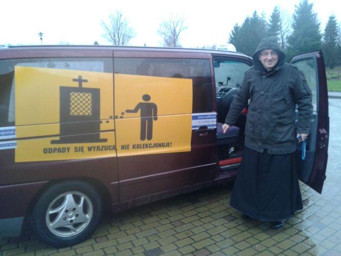 """""""Mobilny konfesjonał"""" to jedyny tego typu konfesjonał w Polsce i na świecie."""